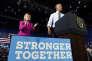 Hillary Clinton et Barack Obama lors de leur premier meeting commun, à Charlotte (Caroline du Nord), mardi 5 juillet 2016.