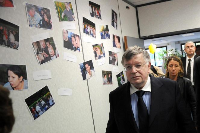 Le PDG de France-Telecom Didier Lombard lors de sa visite des bureaux de la compagnie après le suicide d'un des employés àAnnecy-Le-Vieux (Savoie) le 28 septembre 2009.