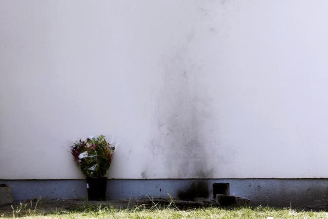 Le mur devant lequel un salarié de France Télécom s'est immolé par le feu, le 26 avril 2011, à Mérignac (Gironde).