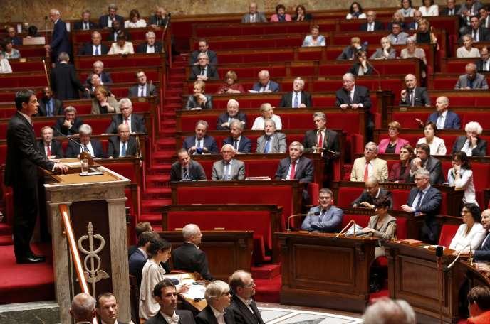 Manuel Valls à la tribune de l'assemblée nationale le 5 juillet 2016.