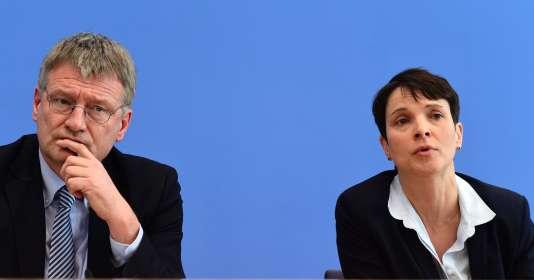 Les deux coprésidents d'AfD,Jörg Meuthen et Frauke Petry, à Berlin, le 14 mars.