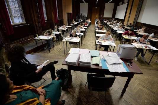 Epreuve de philosophie lors de la sesssion 2016 du baccalauréat au lycée Fustel de Coulange à Stasbourg le 15 juin.