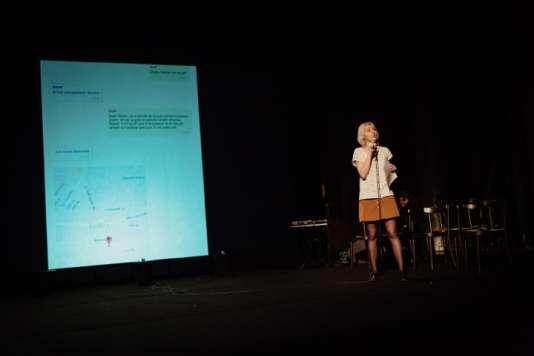 Lucie Soullier, journaliste au Monde, a raconté l'histoire de deux réfugiés syriens devant le public du Live magazine.