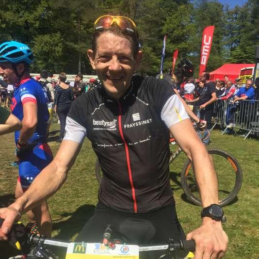L'ex-coureurChristophe Bassons qui avait subi les foudres d'Armstrong lors du Tour 1999 pour ses positions contre le dopage, s'est lancé le 6 juillet dans une traversée inédite des Pyrénées.