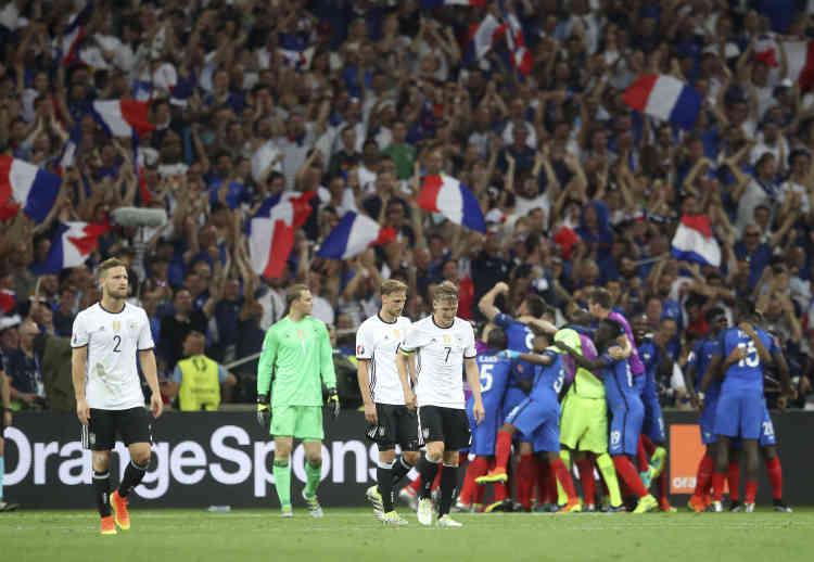 Sûrs d'eux avant la rencontre, «Bild» avait titré «Adieu» en français dans le texte, les champions du monde en titre n'ont pas démérité en première période mais ont manqué de réussite.