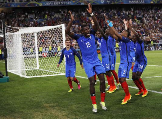 Paul Pogba et ses coéquipiers après France-Allemagne à Marseille, le 7 juillet.