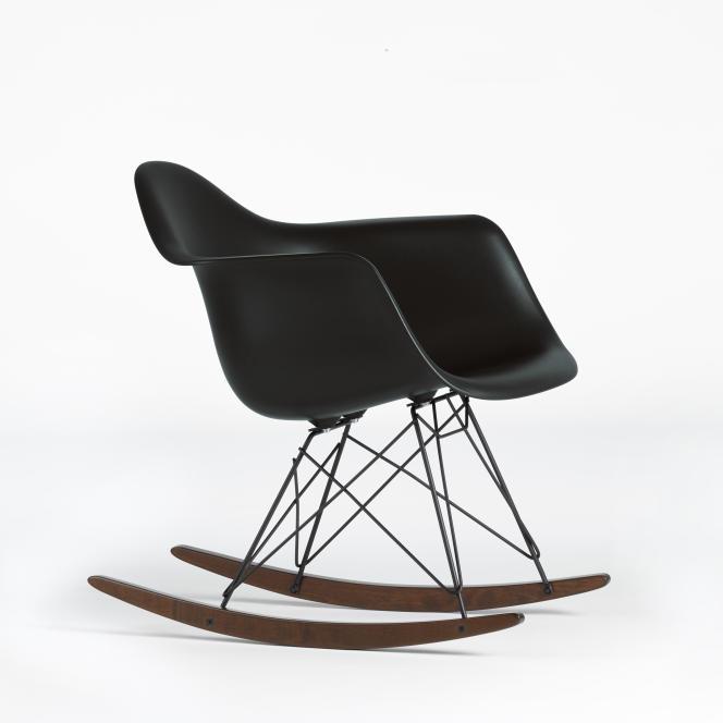 Le fauteuil RAR, par Charles & Ray Eames, 1950.