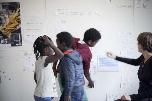 L'éducation Nationale a détaché deux enseignants pour faire l'école au Centre d'accueil Jules Ferry.