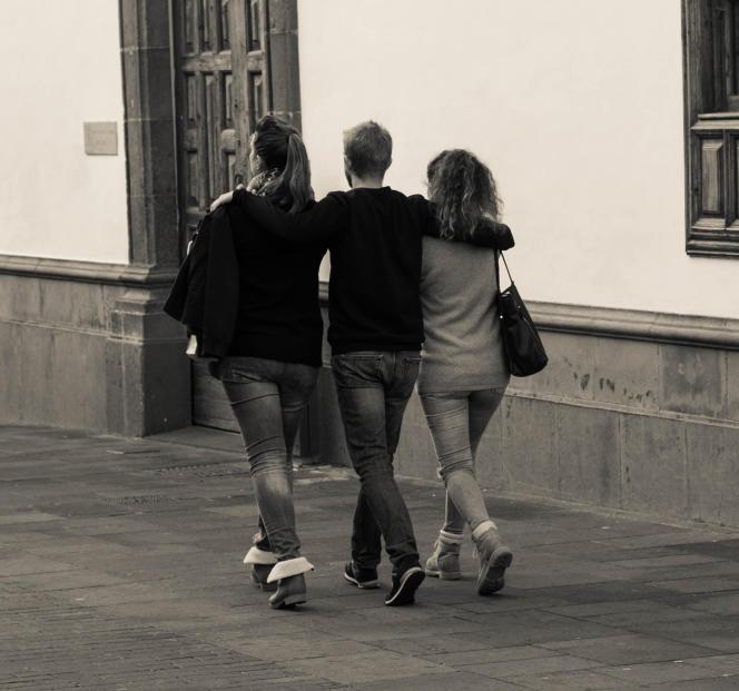 Le polyamour prône «la possibilité de vivre simultanément des relations amoureuses consensuelles et éthiques».