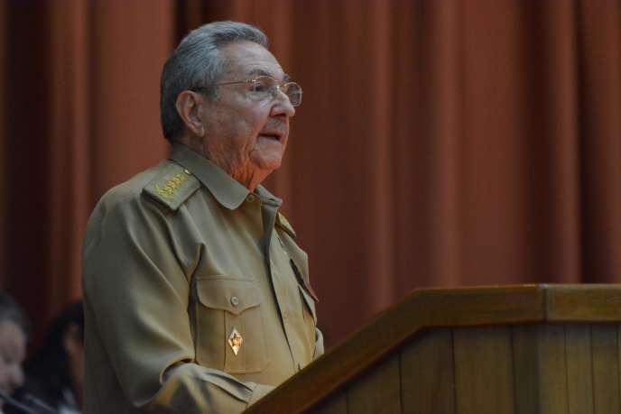 Le président cubain, Raul Castro, prononce un discours lors de la première session annuelle du Parlement, au Palais des Conventions de La Havane, le 8 juillet.