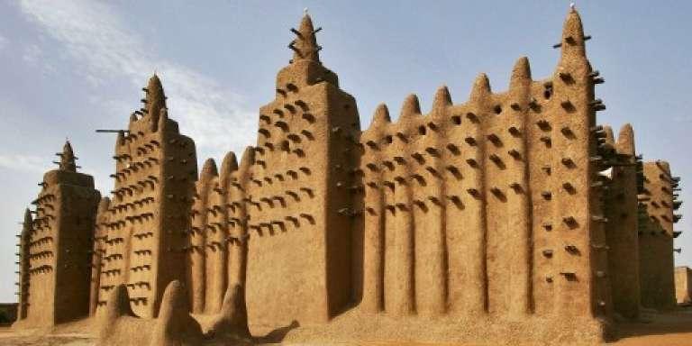 La grande mosquée de Djenné au Mali a été classée en 1988 au Patrimoine mondial de l'Unesco.