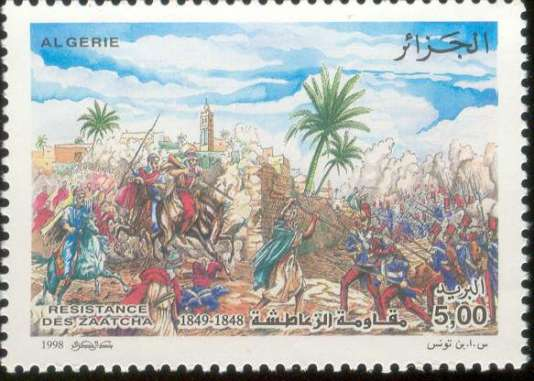 « Le cheikh Bouziane reprend le flambeau de la résistance. Après des affrontements, il se retranche dans l'«oasis» de Zaâtcha, une véritable cité fortifiée où, outre des combattants retranchés, vivent des centaines d'habitants, toutes générations confondues».
