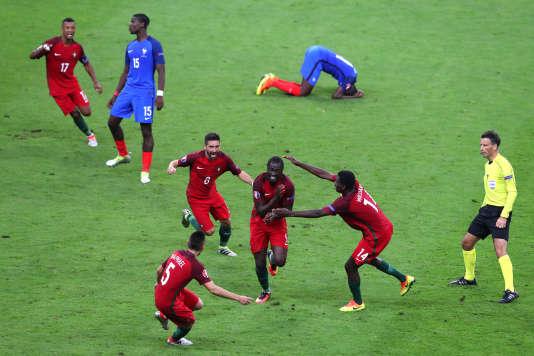 Eder, au centre, héros du Portugal contre la France.