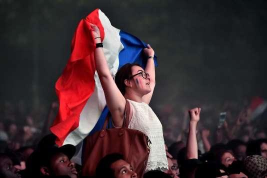 Dans la fan-zone du Champ-de-Mars à Paris le 7 juillet.