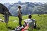 Pause casse-croûte dans la combe de Montarquis, dans la chaîne du Bargy (Haute-Savoie), le 4 juillet.