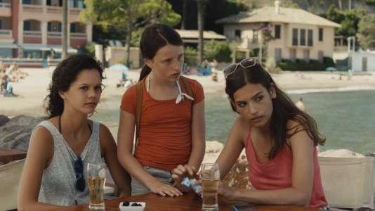 Alma Jodorowsky (à droite) dans le film« Juillet Août », réalisé parDiastème.