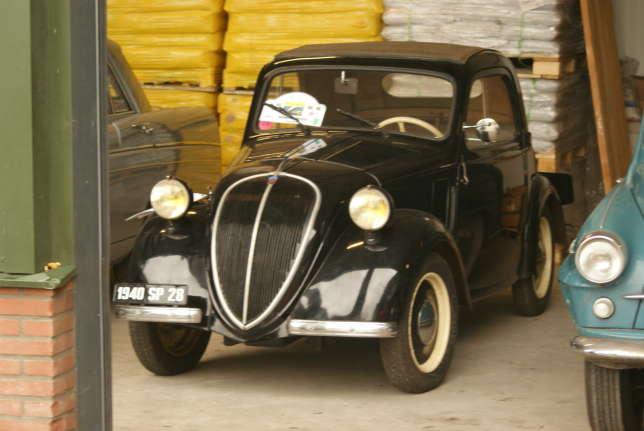 En France, une nouvelle entreprise fabrique bientôt des Topolino sous licence : c'est la Simca 5.