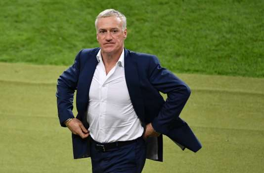 Didier Deschamps avant les prolongations pendant la finale France-Portugal dimanche 10 juillet.