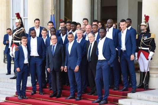 Les Bleus ont été reçus à l'Elysée, lundi 11 juillet, par François Hollande.