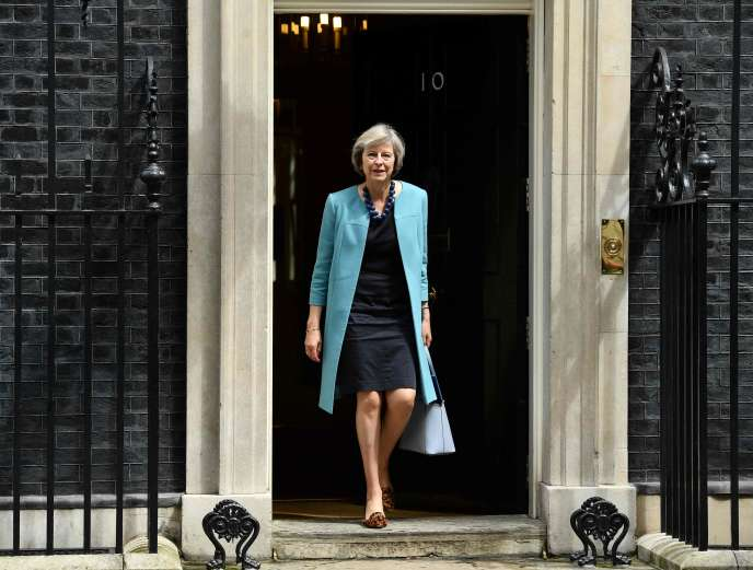 Theresa May, le 27 juin à Downing Street dans le centre de Londres.