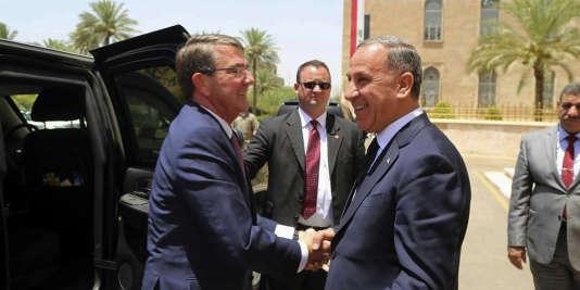 Le chef du Pentagone Ashton Carter, lundi 11 juillet, àl'occasion de sa quatrième visite en Irak depuis sa prise de fonction en février 2015.