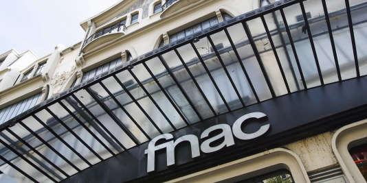 Photo du magasin Fnac Ternes, en septembre 2006 à Paris.