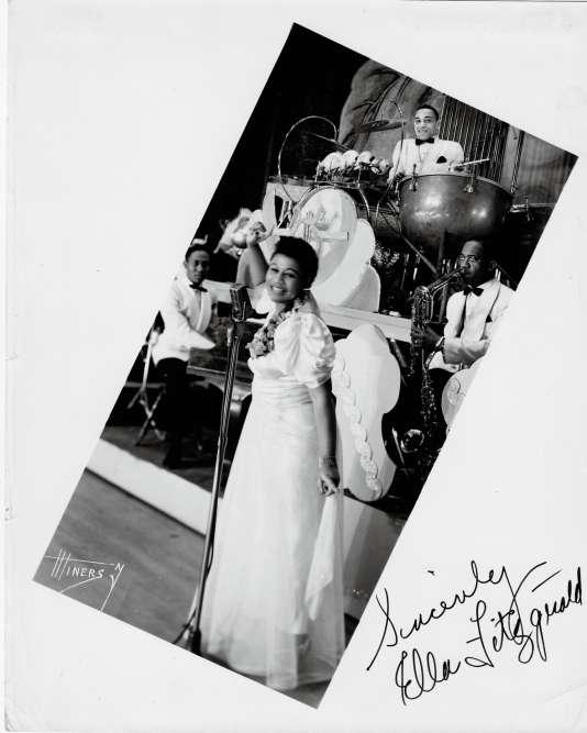 Ella Fitzgerald est la championne du scat. Sa voix, d'une infinie souplesse, se prête à des acrobaties de virtuose.
