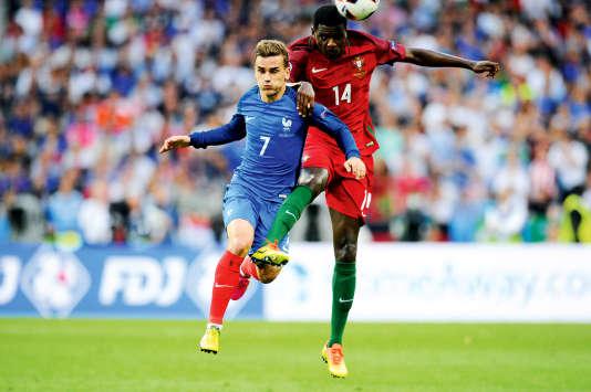 Antoine Griezmann (ici, pendant la finale, face à William Carvalho) vaut désormais 100 millions d'euros en cas de transfert.