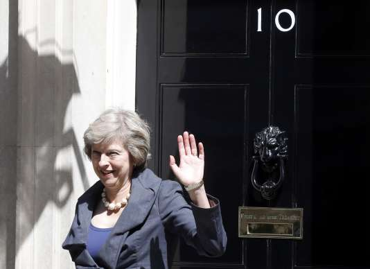 Theresa May, devant le 10 Downing Street, mardi 12 juillet.