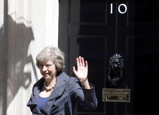 Theresa May, devant le 10 Downing Street, mardi 12 juillet.