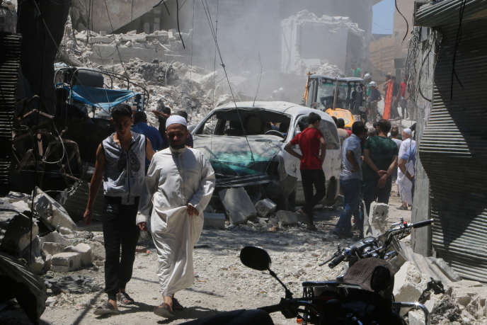 Après l'explosion d'une bombe, dans la vieille ville d'Alep, en Syrie, le 11 juillet 2016.