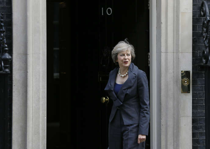 Theresa May devant le 10 Downing Street, à Londres, le 12 juillet.