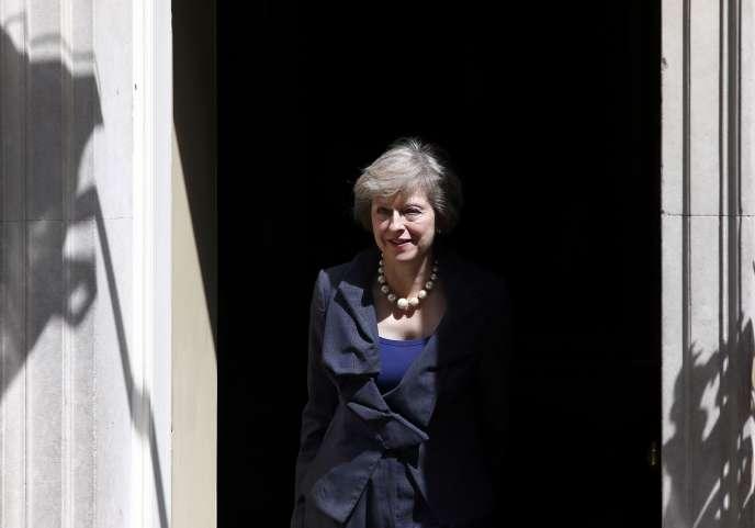 La conservatrice Theresa May devrait prendre la tête des tories, au Royaume-Uni, alors que le parti traverse une grave crise dans le sillage du Brexit.
