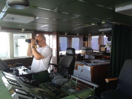 Alexander Moroz, le capitaine, à la passerelle de l'« Aquarius».