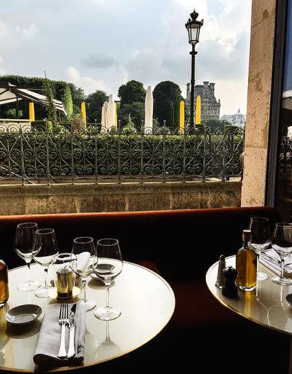 Et la vue sur les jardins du Louvre…