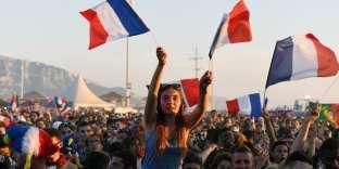 Dans la fan-zone de Marseille, dimanche 10 juillet.