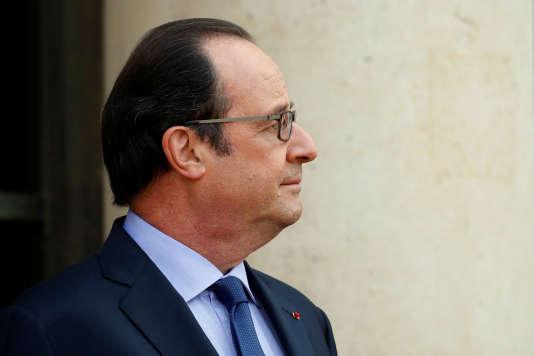 Le président Francois Hollande au palais de l'Elysee le 11 juillet
