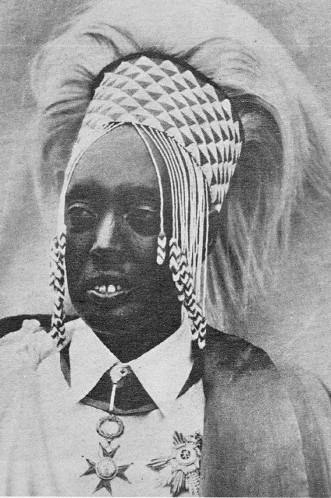 Charles Mutara-Rudahigwa fut« mwami »Mutara III de 1931 à 1959, désigné par les colons belges pour sa docilité.