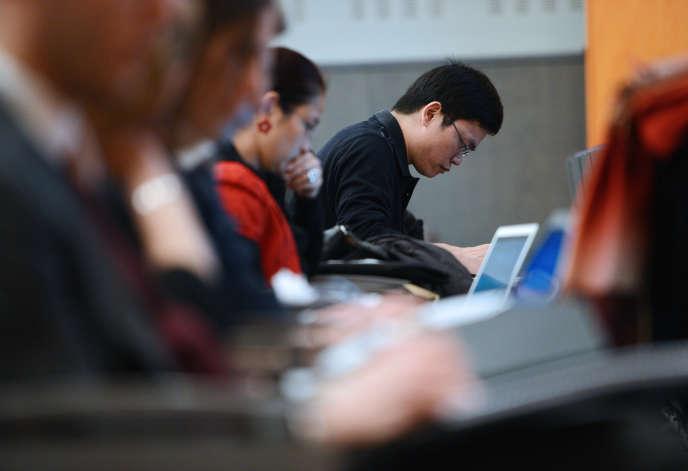 Un étudiant chinois à l'École Nationale d'Administration (ENA) à Strasbourg en janvier2013.