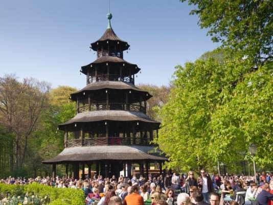 L'Englisher Garten, poumon vert prisé des Munichois en été.