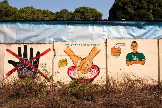 Message de prévention contre le virus d'Ebola,à Dubréka, en Guinée.