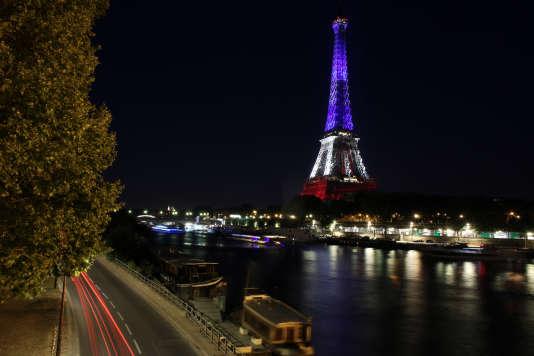 «Les deux plus grandes aires urbaines, Paris et Lyon, englobent respectivement 1 794 et 514 communes.»