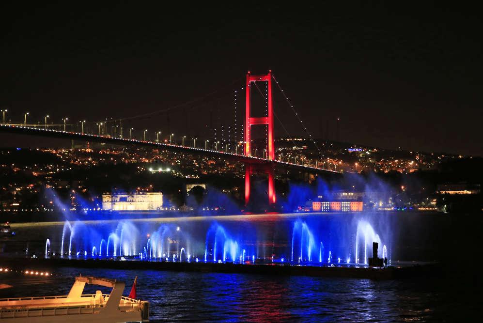 Le pont du Bosphore d'Istanbul, le 15 Juillet.