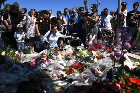 Un mémorial aux victimes de l'attentat du 14 juillet, à Nice.