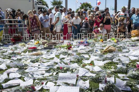 Sur la promenade des Anglais, à Nice, le 16 juillet.