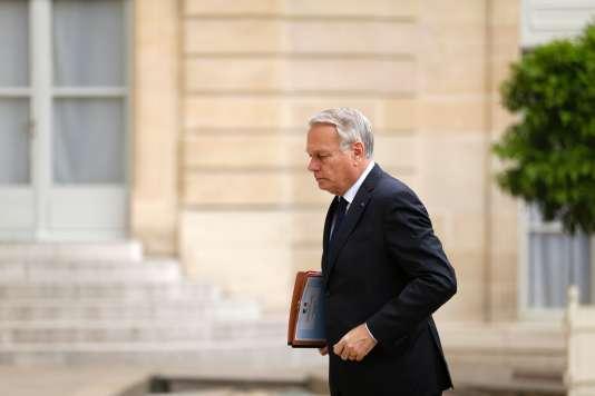 « Il y a une part de suspicion aussi, c'est vrai », a déclaré dimanche le ministre des affaires étrangères, Jean-Marc Ayrault.