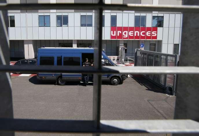 Le service des urgences de l'hôpital Pasteur 2, à Nice.Le principal défaut de la réforme des 35 heures est de n'avoir pas été accompagnée des créations d'emplois nécessaires, notamment à l'hôpital.