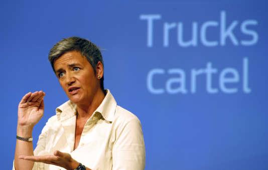 La commissaire européenne chargée de la concurrence, la Danoise Margrethe Vestager, a revendiqué vouloir lancer un «message clair aux entreprises»: «Aujourd'hui, nous avons frappé fort en infligeant des amendes records. »