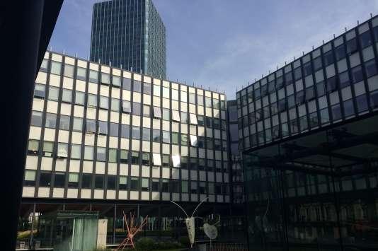 L'université Pierre-et-Marie-Curie à Paris propose, depuis 2009, un DU en éducation thérapeutique.