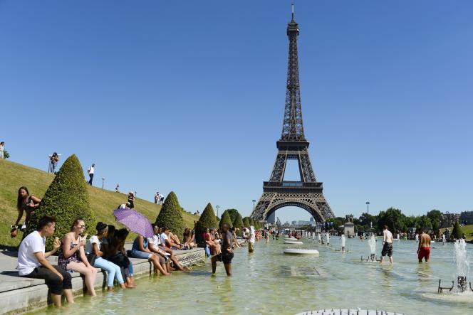 Paris est particulièrement touchée par la baisse de fréquentation des touristes étrangers.